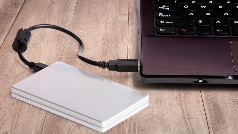 نسخ احتياطي لملفات الكمبيوتر بدون برامج